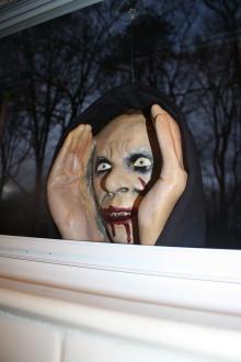 Original Scary Peeper Zombie